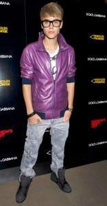 Justin beiber wears women jeans