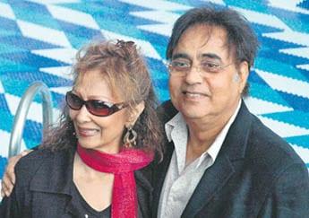 Jagjit Singh with wife Chitra Singh