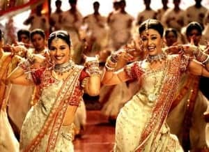 "Aishwarya & Madhuri in Song ""Dola re"""