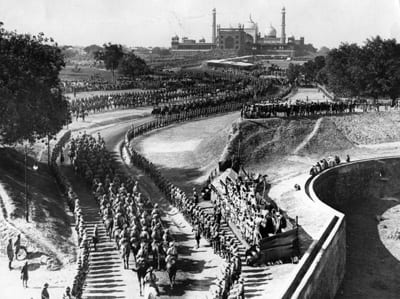 The procession to the Jama Masjid during the great Delhi Durbar to celebrate the accession of King George V. Photo by Central Press/Getty Images